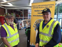 Lions Brian and Bern collecting in Oct