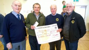 Lion President Steve donates £200 to Dr Tim Cox towards Village Defib