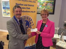 Lion President presents £1000 to Admiral Nurses